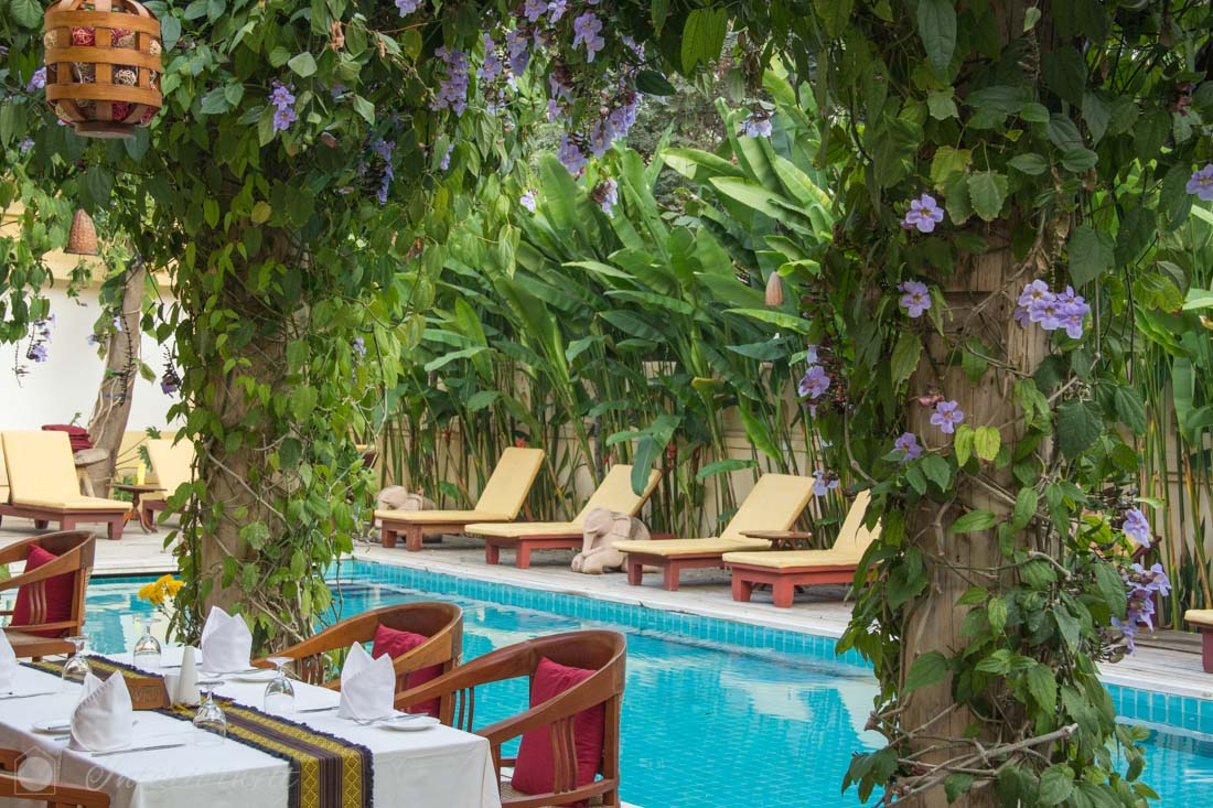 Restaurant und Pool im Areindmar Hotel