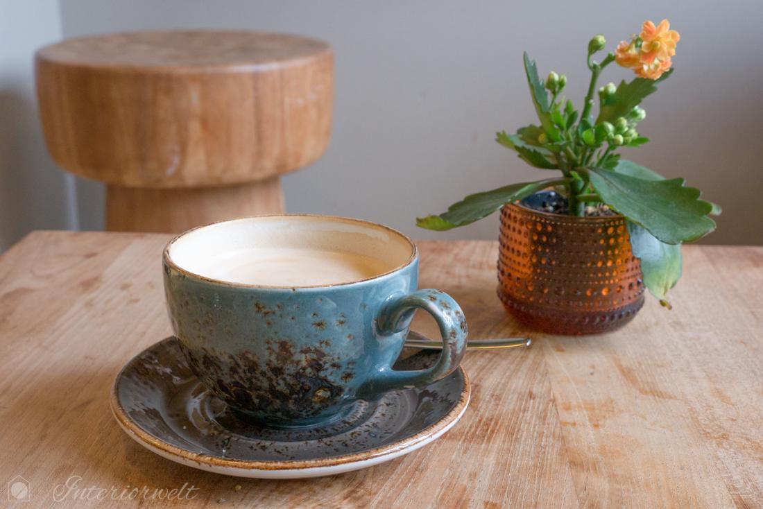 Kaffeetasse im Restaurant Glo