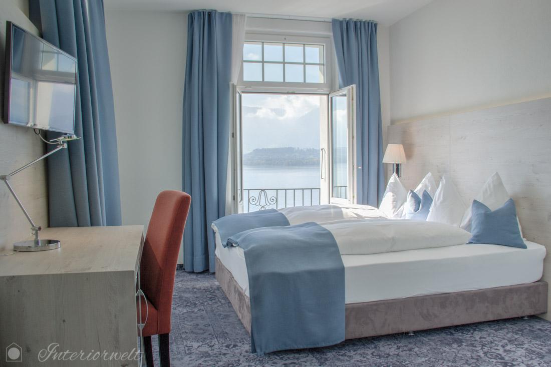 Hotelzimmer in Blau