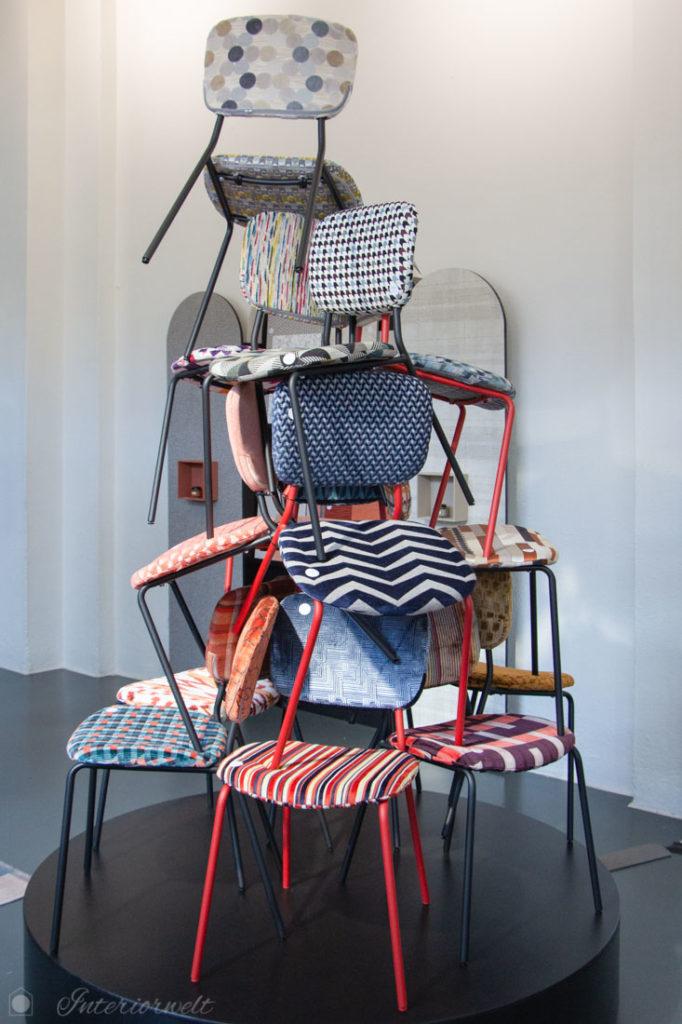 Stühle gemustert